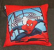 by PERLARARA - CUSCINO ARREDO cm 50 x 50 CAMERETTA ORIGINALE SPIDERMAN NOVIA by MARVEL AVENGERS CIVIL WAR (ROSSO/CELESTE)